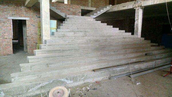 Монолитные межэтажные лестницы